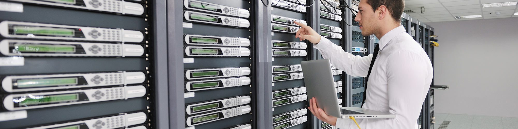 Monitoring servers without disconnection